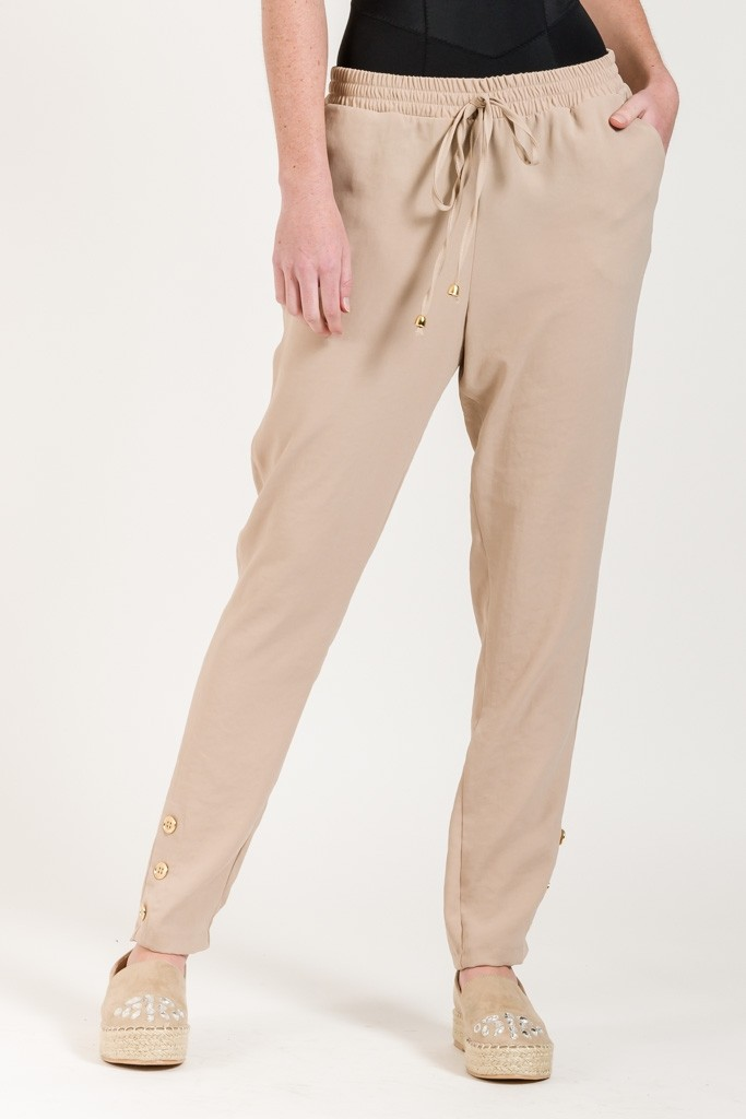 JOGGING TROUSERS WITH SIDE POCKETS DETAIL