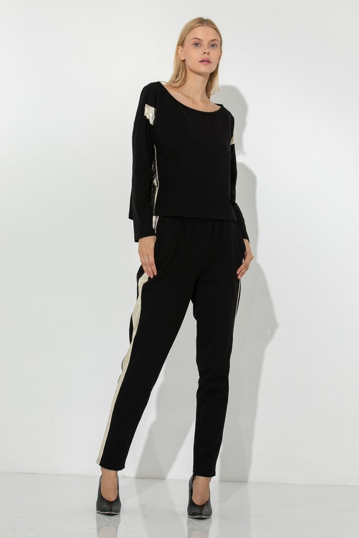 JOGGING TROUSERS WITH METALLIC STRIPE
