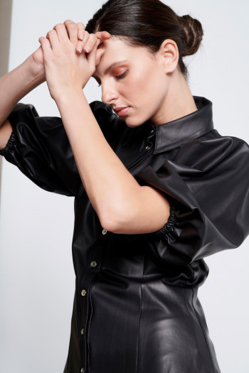 SLIM WAIST ECO LEATHER SHIRT