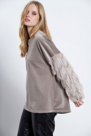 BOXY VELVET TOP WITH FRINGED SLEEVES