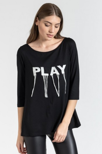 "LONG TOP WITH ""PLAY"" SLOGAN"