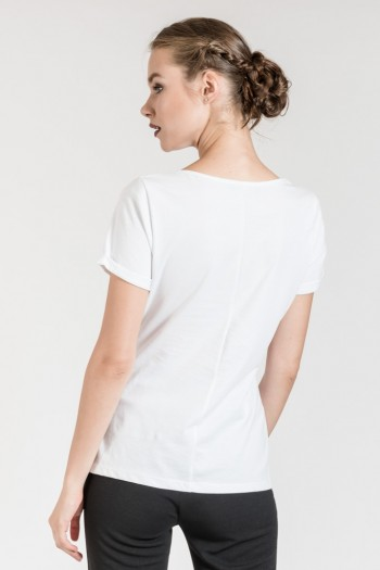 T-SHIRT WITH FAUX PEARLS
