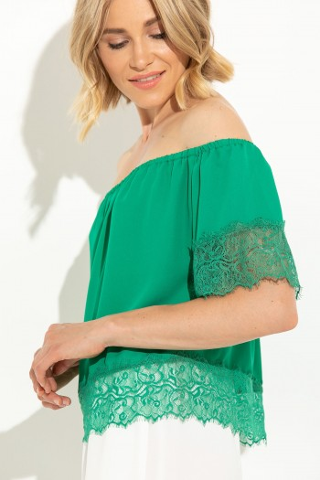 OFF SHOULDER TOP WITH LACE
